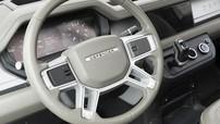 Land Rover Defender 2020 bị rò rỉ nội thất với hàng ghế trước 3 chỗ ngồi