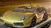 Doanh nhân bất lực đứng nhìn chiếc Lamborghini Gallardo của mình bốc cháy sau khi được bảo dưỡng