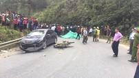 Lào Cai: Học sinh đi xe máy vượt ô tô khách, đâm thẳng vào đầu Honda City