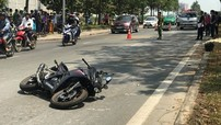 Sài Gòn: Va chạm mạnh với xe máy, nam thanh niên điều khiển mô tô Honda CBR150R tử vong