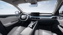 Geely GE11 hé lộ hình ảnh nội thất bắt mắt với một màn hình cảm ứng 12.3-inch