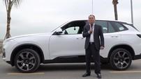 Chủ tịch Vingroup đích thân cầm lái chiếc xe VinFast đầu tiên và đôi lời cảm nghĩ