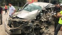 Thanh Hóa: Ford Everest lao sang làn đường ngược chiều, đối đầu ô tô khách khiến tài xế tử vong