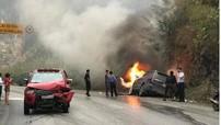 Va chạm với bán tải, Ford Explorer bốc cháy trên đèo Thung Khe - Hòa Bình