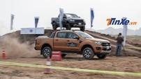 """Ford Ranger Wildtrak đua địa hình với Ranger Raptor: """"Mèo nào cắn mỉu nào?"""""""