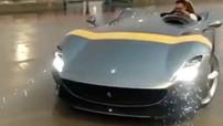 Khổ như nhà giàu: Lái siêu xe Ferrari Monza SP1 giá 1,85 triệu USD mà gặp trời mưa vẫn ướt hết người
