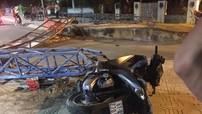 Bình Dương: Húc đổ cổng chào của khu phố, nam thanh niên đi Honda SH bị thương nặng