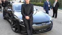 """""""Người Sắt"""" Tony Stark tham dự buổi công chiếu """"Avengers: Endgame"""" với xe sang Audi E-Tron GT"""