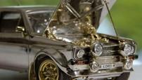 Chiếc Ford Escort tí hon này được làm từ bạc, vàng, kim cương và tốn 25 năm để hoàn thành