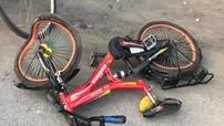 Hà Nội: Bị xe bán tải Ford Ranger tông trúng, 2 chị em ruột đi xe đạp thương vong