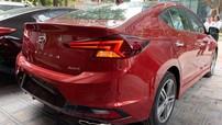 Hyundai Elantra 2019 lộ ảnh thực tế tại đại lý, ngày ra mắt không còn xa