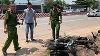 Bình Dương: Người đàn ông đốt trụi chiếc Honda SH vì cãi nhau với bạn gái