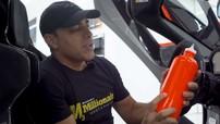 Bình nước trên chiếc McLaren Senna của Manny Khoshbin có giá hơn 160 triệu đồng