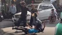 Sài Gòn: Đánh nhau với nhóm thanh niên, 2 người đàn ông đi xe sang Mercedes-Benz nhập viện