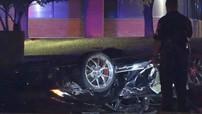 Tông vào cột điện ở tốc độ cao, Lamborghini Gallardo lật ngửa khiến chủ một cửa hàng độ xe tử vong