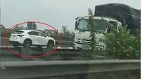 SUV hạng sang Lexus bị bắt gặp chạy ngược chiều trên cao tốc Cầu Giẽ - Ninh Bình