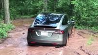 Chứng kiến khả năng đi off-road và lội bùn ấn tượng của Tesla Model X