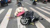 Bình Dương: Xe máy vượt đèn đỏ gây tai nạn liên hoàn, 4 người bị thương
