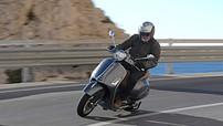 Vespa GTS SuperTech 300HPE hiệu suất cao chốt giá 155 triệu đồng