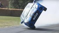 Chứng kiến Jaguar F-Type trình diễn đi bằng 2 bánh điệu nghệ ở đường đua Goodwood