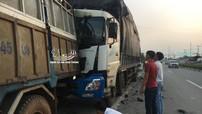 Bình Dương: Đang sửa xe bên lề đường, tài xế ô tô tải chở củi bị xe tải chở than tông tử vong