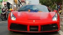 Siêu xe Ferrari 488 GTB của Tuấn Hưng lần đầu tái xuất trên đường phố