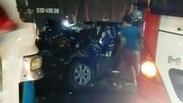 Long An: Toyota Camry va chạm với xe chở công nhân, chủ tịch huyện bị thương nặng