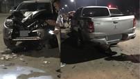 Quảng Ninh: Xe bán tải Mitsubishi Triton tông vào xe máy khiến 2 thanh niên nguy kịch