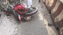 """Đồng Nai: """"Phượt thủ"""" điều khiển xe côn tay Suzuki Satria F150 chết thảm dưới bánh xe bồn"""