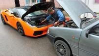 """""""Bò già"""" Lamborghini Gallardo được Fiat Uno 30 tuổi giúp câu bình ắc-quy"""