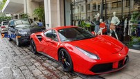 """Trước giờ cưới của Cường """"Đô-la"""", Ferrari 488 GTB của Tuấn Hưng đỗ tại khách sạn cao cấp ở Sài thành"""