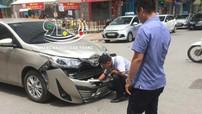 Hà Nội: Gây tai nạn liên hoàn cho Range Rover Evoque và Mazda3, Toyota Vios vỡ đầu