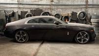 """Xót xa với hình ảnh Rolls-Royce Wraith ở Việt Nam """"làm bạn"""" với bụi trong một garage"""