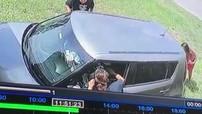 Nữ y tá nhanh tay cứu mạng chính tài xế đã đâm xe vào nhà mình