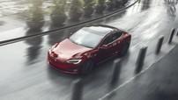 Tức cười việc người phụ nữ ăn trộm xe Tesla Model S rồi nhanh chóng bị bắt vì xe hết điện
