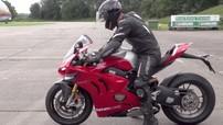 Chỉ cần hơn 5 giây, siêu mô tô Ducati Panigale V4R đã đạt vận tốc 210 km/h