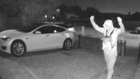 Chỉ cần 30 giây, hai tên trộm đã hack tín hiệu chìa khóa và lái đi chiếc Tesla Model S