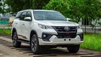 Toyota Việt Nam công bố giá bán lẻ cho Fortuner TRD 2019 và điều chỉnh giá Hilux