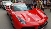 """Cận cảnh siêu xe Ferrari 488 Spider """"tháp tùng"""" vợ chồng Cường """"Đô-la"""" đi du lịch cùng đoàn Car Passion"""