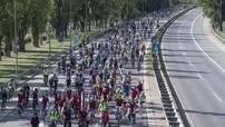 Khoảng 25.000 người biểu tình đã đi xe đạp tới Triển lãm Ô tô Frankfurt 2019 và lên tiếng vì môi trường