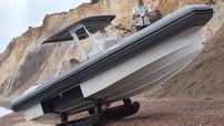 Iguana X100 - Phương tiện lưỡng cư nửa thuyền/nửa tăng với giá 5,59 tỷ đồng