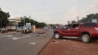 Bình Phước: Xe bán tải Mazda BT-50 đối đầu Toyota Innova, 3 người bị thương nặng