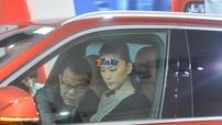 """""""Đả nữ"""" Ngô Thanh Vân nhận xe VinFast LUX SA2.0"""