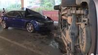 Maserati Ghibli tông một chiếc ô tô lật nghiêng, lý do đằng sau đó mới khiến người ta bất ngờ