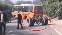 Video xe buýt đang di chuyển bất ngờ rơi trục bánh sau khiến không ít người thót tim