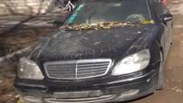 """Không kém nhà giàu Việt, đại gia Trung Quốc """"vứt bỏ"""" Mercedes-Benz S600 bên đường trong 2 năm"""