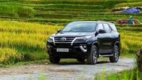 """Lập kỷ lục doanh số trong tháng 10, Toyota Camry vẫn không đủ sức """"vực dậy"""" Toyota Việt Nam"""