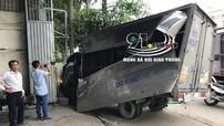 Sài Gòn: Thanh niên ăn trộm ô tô tải rồi bỏ chạy, tông liên hoàn xe bán tải và xe máy