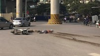 """Video ô tô tải """"hổ vồ"""" tông 2 ông cháu đi xe máy tử vong tại Hà Nội"""