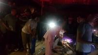 Quảng Ninh: Ô tô tải trượt bánh, đổ trúng nhà tạm, 2 mẹ con tử vong thương tâm